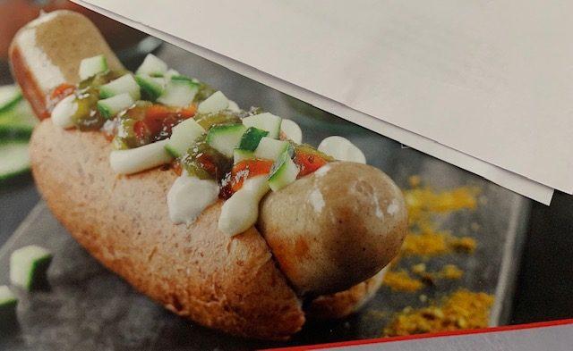 Gourmethotdog og dessertpandekage  .