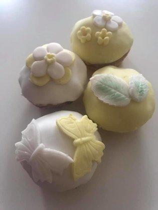 Kage 7.  Lakridsmuffins  med hvid chokolade. Store Portionskager. Klik og læs