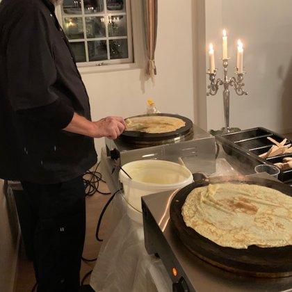 Vi bager pandekager fra buffet eller vogn